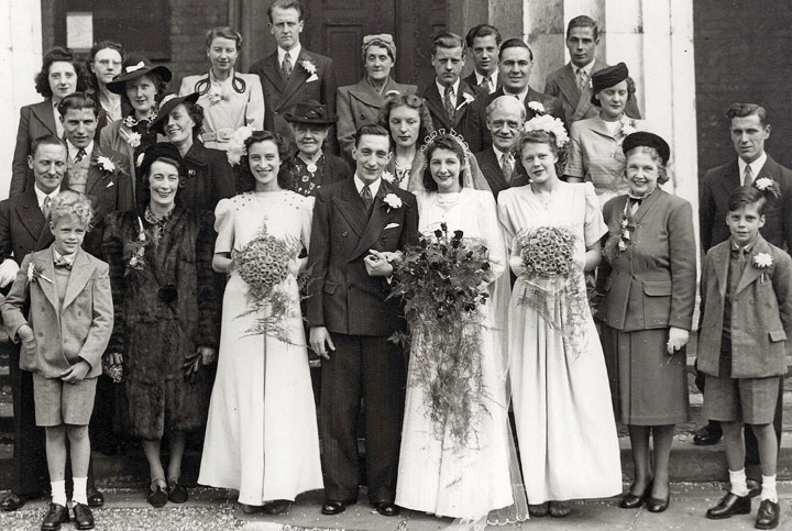 Group photo - Lee, Marr, Thorne family wedding - 1948 - England